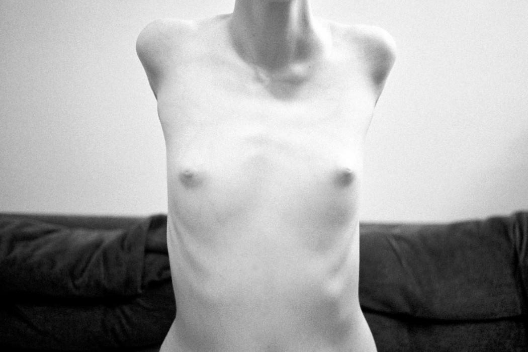 marija-strajnic-sculptures-nude