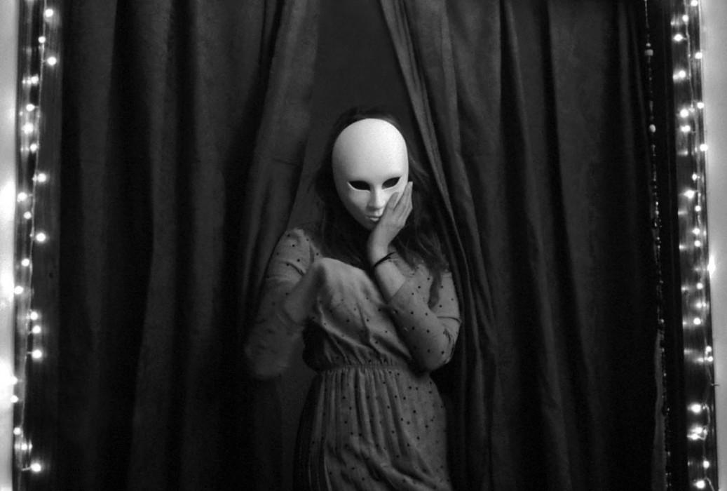 marija-strajnic-sophisticated-mask