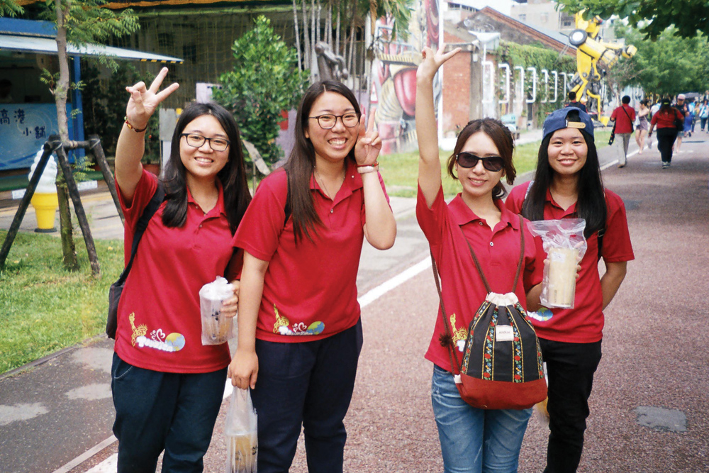 marija-strajnic-taiwan-uniforms-red